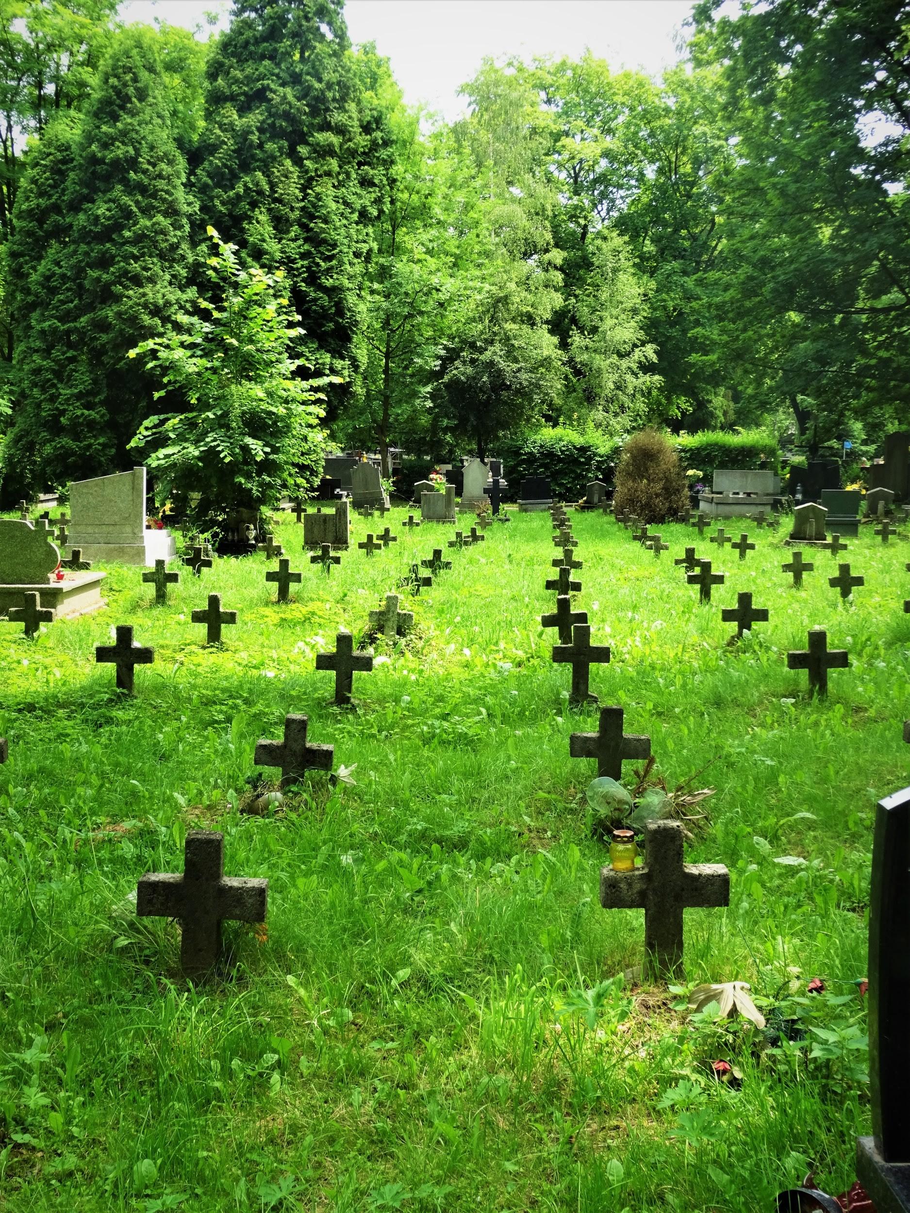 CmentarzRakowicki-Krakow-CityBreak-02