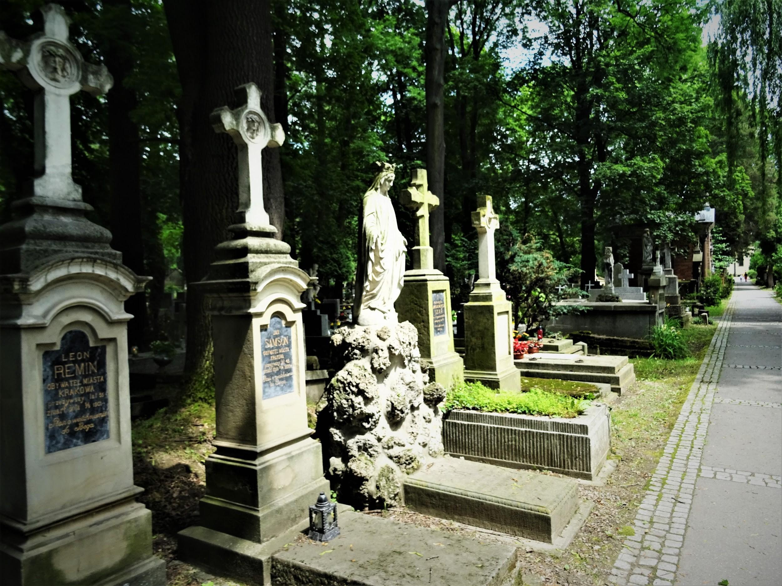 CmentarzRakowicki-Krakow-CityBreak-03