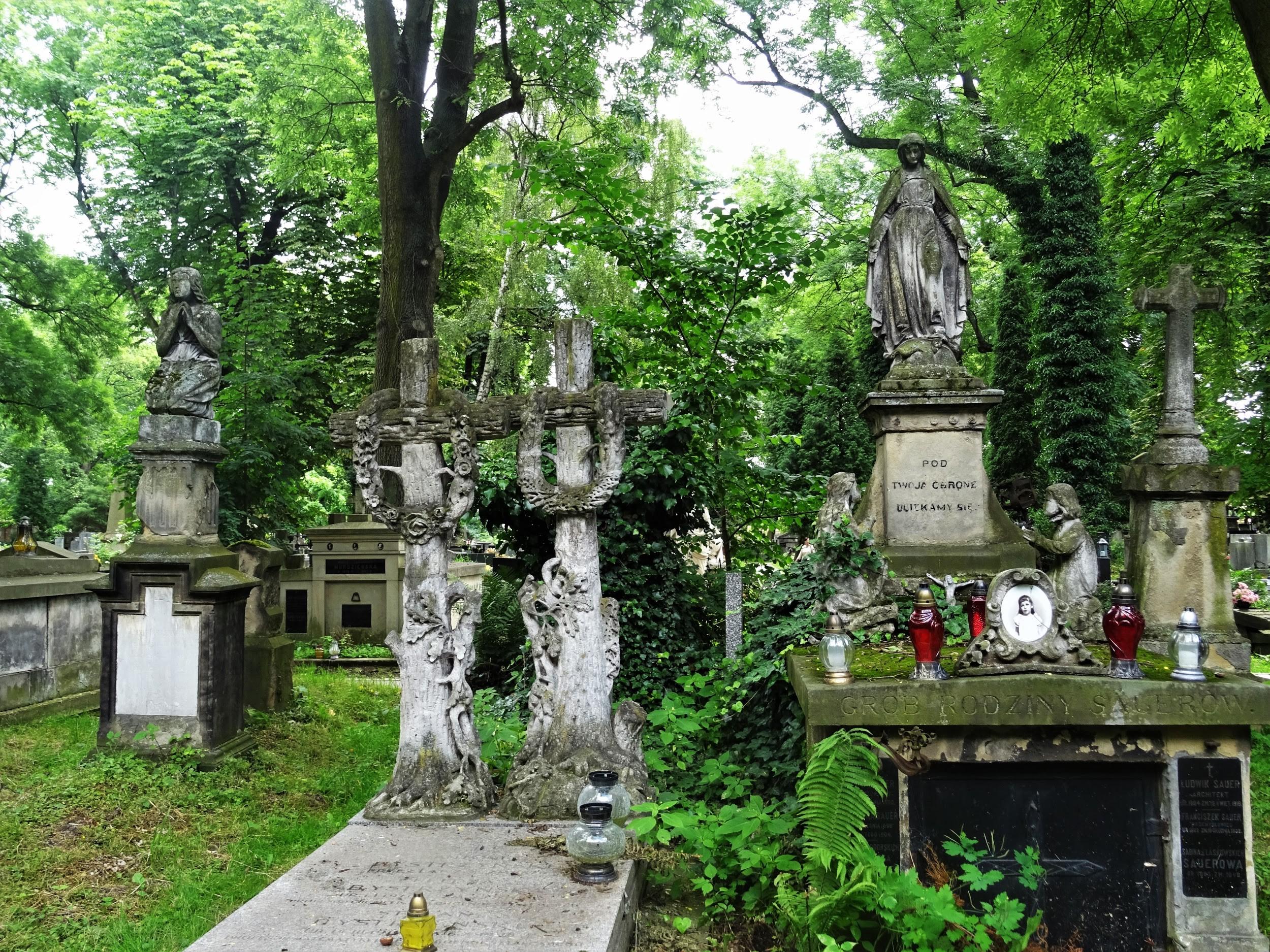 CmentarzRakowicki-Krakow-CityBreak-04