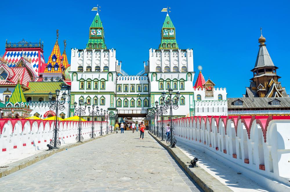 The entrance to Izmailovsky Kremlin